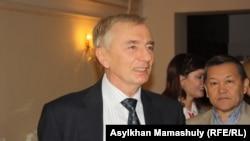 Игорь Рогов в бытность председателем Конституционного совета Казахстана.