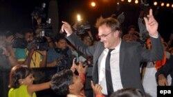 دنیل بویل در میان کودکان هندی