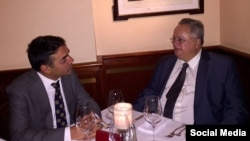 Министерот за надворешни работи Никола Димитров се сретна со неговиот грчки колега Никос Коѕиас во Њујорк. Грчкото МНР на Твитер објави фотографии од средбата