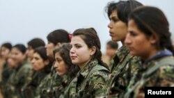 زنان کُرد بخشی از یگان مسلح بزرگتری متشکل از حدود ششصد رزمنده اند