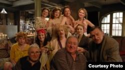 Участники съемочной группы фильма «Ниоткуда с любовью, или Веселые похороны»