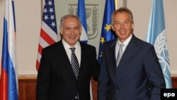 Israel - Prime Minister Benyamin Netanyahu (L) with the Quartet envoy to the Mideast Tony Blair in Jerusalem, 31Aug2009