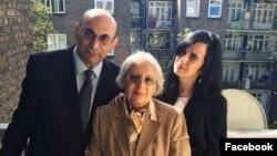 Leyle Yunus and Arif Yunus with daugther Dinara Yunus