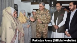 Pakistani Army chief General Qamar Javed Bajwa meets with Hazara leaders in Quetta.