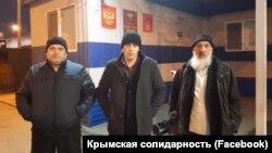 Троє кримських татар, яких удосвіта 22 жовтня затримали російські силовики, але потім відпустили