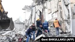 Powerful Earthquake Strikes Central Albania
