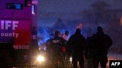 Полицеские арестовали устроившего стрельбу в городе Колорадо-Спрингс, 27 ноября 2015 года