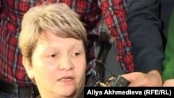 Светлана Ващенко, мать подсудимого солдата-пограничника Владислава Челаха. Талдыкорган, 19 ноября 2012 года.