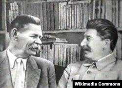 İosif Stalin yazıçı Maksim Qorki ilə.