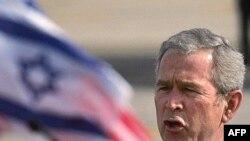جرج بوش به ایران نسبت به عواقب هرگونه حمله به ناوگان آمریکا هشدار داد
