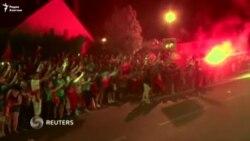 Сотни фанатов встретили сборную Португалии