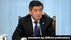 Ղրղըզստանի նախագահ Սոորոնբայ Ժեենբեկովը Բիշքեկում ասուլիսի ժամանակ, 6-ը մարտի, 2018թ․