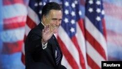 Митт Ромни АҚШ-тағы президент сайлауы кезінде. Массачусетс, 7 қараша 2012 жыл.