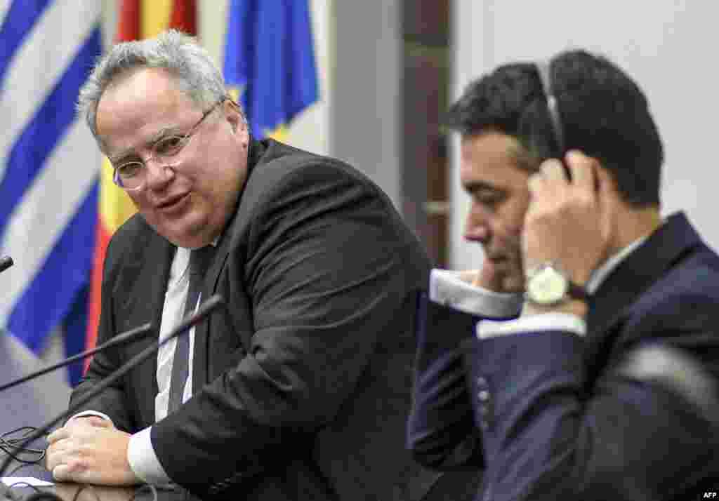 МАКЕДОНИЈА - Портпаролот на Владата, Миле Бошњаковски на прес-конференција потврди дека до крајот на месецот ќе има нова средба на шефовите на дипломатиите на Македонија и на Грција, Никола Димитров и Никос Коѕијас. Но, тој истакна дека датумот за средбата се уште не е утврден.