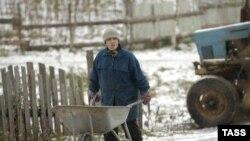Должностные инструкции не позволяют чиновникам спасать росскийское село по своему усмотрению