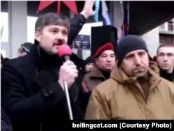 Александр Семёнов (слева) и Александр Ходаковский на пророссийском митинге в Донецке, 1 марта 2014 года