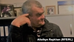 Житель Алматы Александр Ковалев.