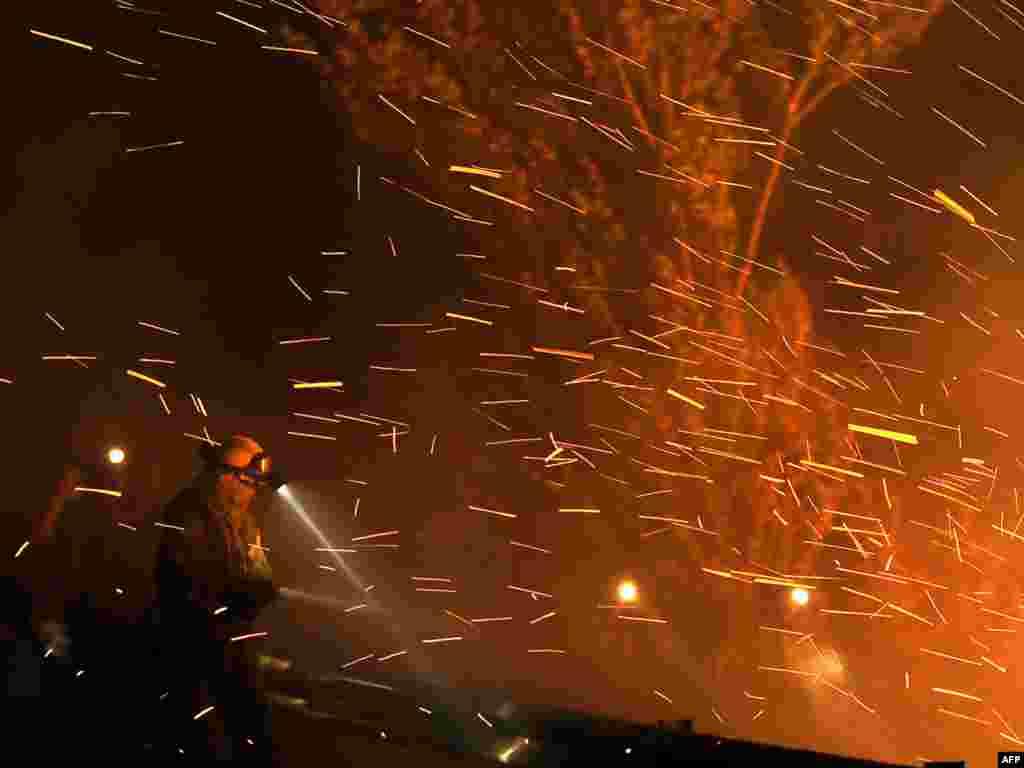 Четверо пожарных погибли и двое получили ранения во время тушения лесных пожаров на северо-востоке Испании