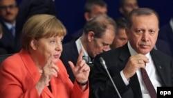 Angela Merkel i Redžep Tajip Erdogan u Istanbulu 23. maja 2016.