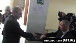 Բակո Սահակյան (ձախից), 3-ը մայիսի, 2015թ․