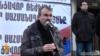 «Նոր Հայաստան» փրկության ճակատի միասնական շտաբի պետ Ժիրայր Սեֆիլյանը ելույթ է ունենում Գյումրիի հանրահավաքում, 1-ը նոյեմբերի, 2015թ․