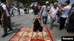 Jedan od anti-vladinih demonstranata