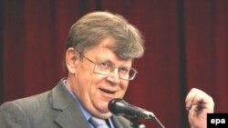 اولی هاینونن، معاون مدیر کل آژانس بین المللی انرژی اتمی