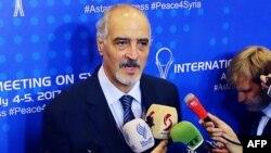 Главный переговорщик правительства Сирии и представитель Сирии при ООН Башар Джафари на предыдущей встрече по урегулированию конфликта в Сирии. Астана, 5 июля 2017 года.