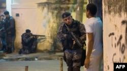 Одна из частых военно-полицейских операций в фавелах Рио-де-Жанейро