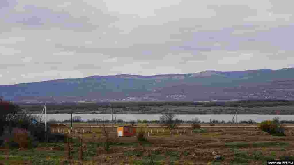 Maltaş (Armanka) , Bosa ve Çorğuna (Çörnaya) özenleri yarımadanıñ eñ büyük Çorğuna yapma gölüni toldura