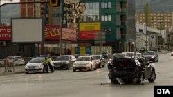 След удара отзад колата на Милен Цветков е навлязла на повече от 20 метра в кръстовището