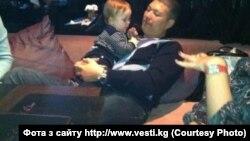 Марат Бакиев с младшим сыном в Минске.