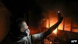 Protestçiler 7-nji sentýabrda Eýranyň konsullygyny oda berdiler.