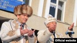 Өкмөт башчы Өмүрбек Бабанов Таластагы иш сапары учурунда, 27-январь, 2012
