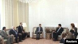 """Президент Сирии во время встречи с делегатами """"Боливарианский альянс для народов нашей Америки"""""""