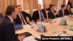 Sa sastanka predstavnika političkih partija, Podgorica, 21. decembar 2015, foto: Savo Prelević