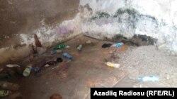 Azərbaycan yollarında tualetlərdən biri