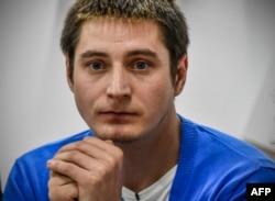 Максим Лапунов – единственный, кто написал заявление в полицию о незаконном задержании и пытках в чеченском УУР, которым он подвергся по подозрению в гомосексуальности