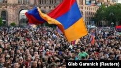 Армения - Митинг на площади Республики в Ереване, апрель, 2018 г․