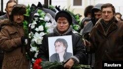 Похороны одной из жертв взрыва в троллейбусе в Волгограде 30 декабря 2013 года