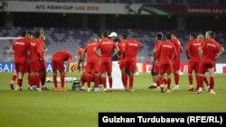 Футбол боюнча Кыргызстандын курама командасынын машыгуу учуру. Hazza Bin Zayed стадиону. Аль-Айн шаары.