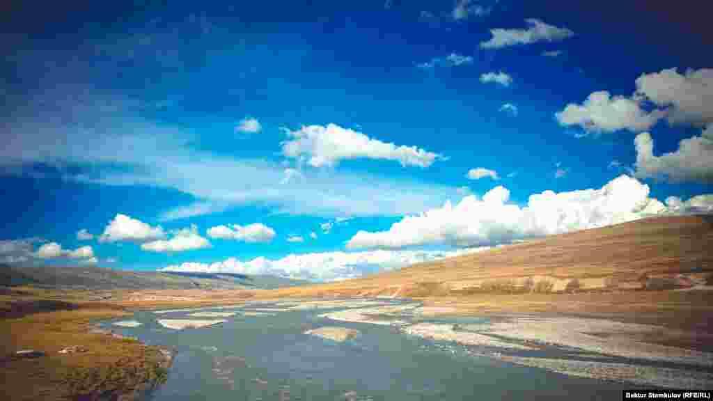 Ыстықкөл облысындағы Эшкили-Таш шатқалы