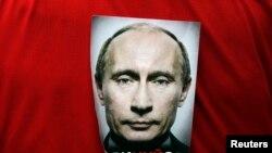 Рейтинг Путіна лише трішки менший, ніж рейтинг Чаушеску перед розстрілом (фотогалерея)