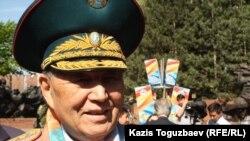 Сағадат Нұрмағамбетов, генерал, бұрынғы қорғаныс министрі. Алматы, 9 мамыр 2013 жыл