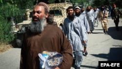 Taliban prisoners are released from Bagram prison in Afghanistan's Parwan Province on May 26.