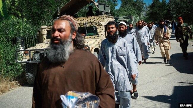 زندانیان گروه طالبان که از سوی حکومت افغانستان رها شده اند. 26 May 2020