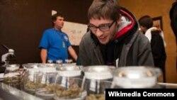 Магазин по легальной продаже марихуаны в штате Колорадо, январь 2014