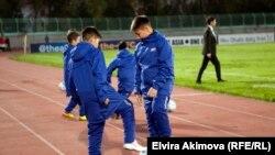 Türkmenistanly ýaş futbolçylar, Bişkek, aprel, 2017.