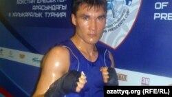 Бокстан әлемнің екі дүркін чемпионы Серік Сәпиев.