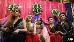Transgender people in Pakistan -- locally known as Khusra or Heejra -- claim to be cultural heirs of the eunuchs who served as senior courtiers to the Indian subcontinent's Mughal rulers in the 17th and 18th centuries. (file photo)